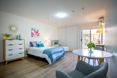 10 steps from everything-great serviced apartment-supportive safe village
