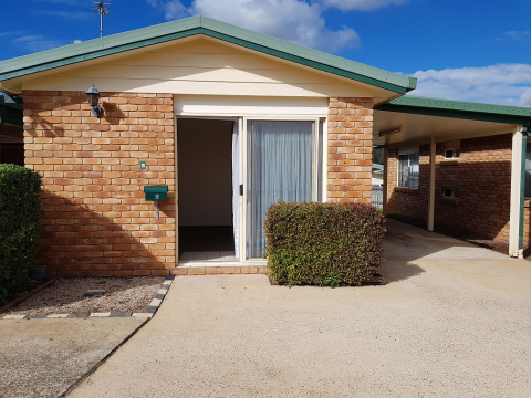 Wilsonton Unit available for rent