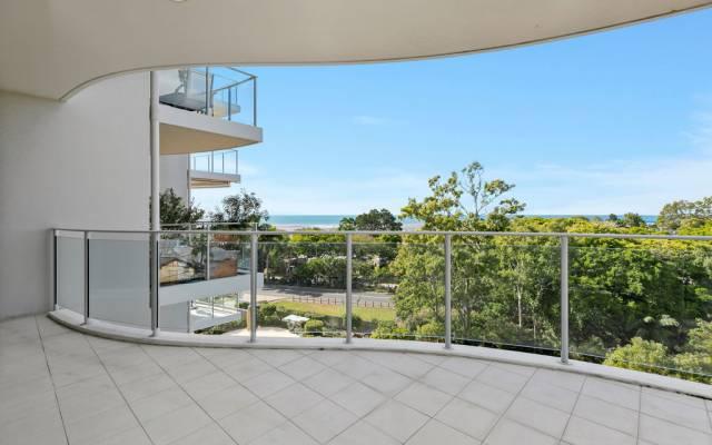 Resort living - Sapphire 409