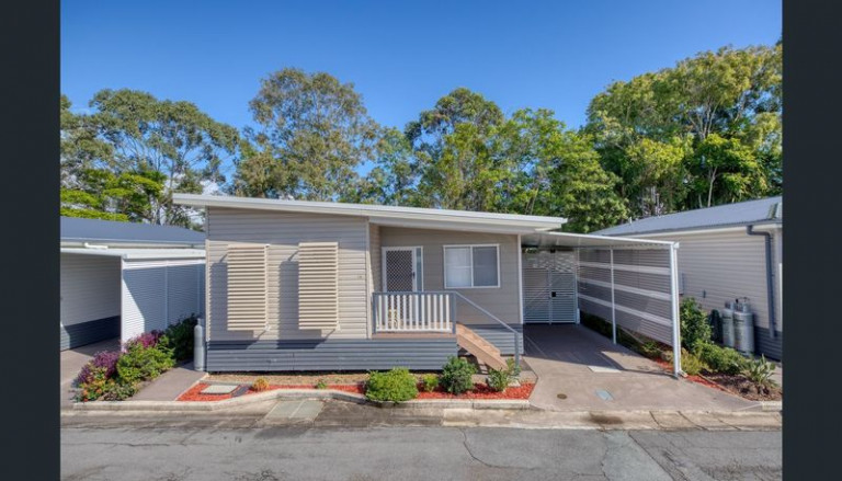 Furnished Home In Lifestyle Village By The Maroochy River