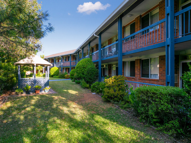 Conveniently located village in the centre of Nowra