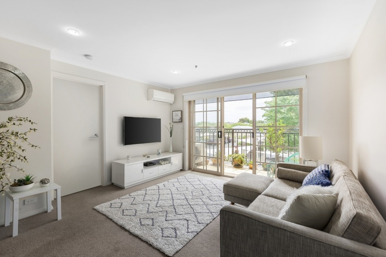 Modern open plan home with spacious bedroom