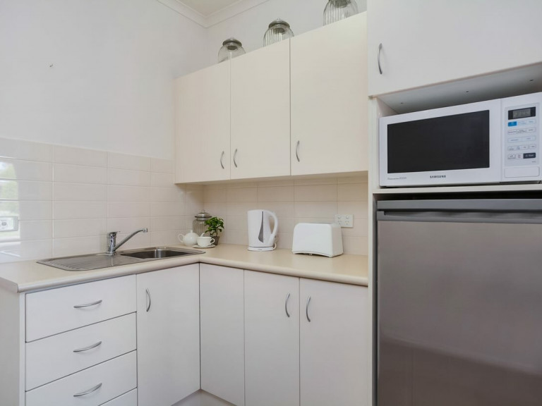 Independent living studio apartment in Templestowe