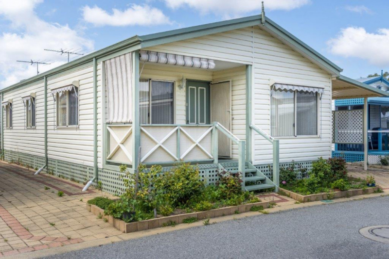 Comfortable Open Plan 3 Bedroom Home at Mandurah Gardens Estate