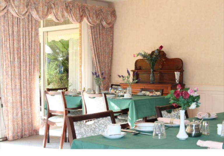 Lindfield Manor has the charm of a Country Club