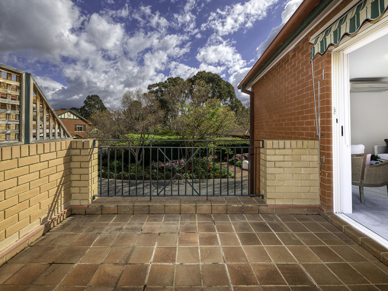 Beautifully renovated 2 bedroom home