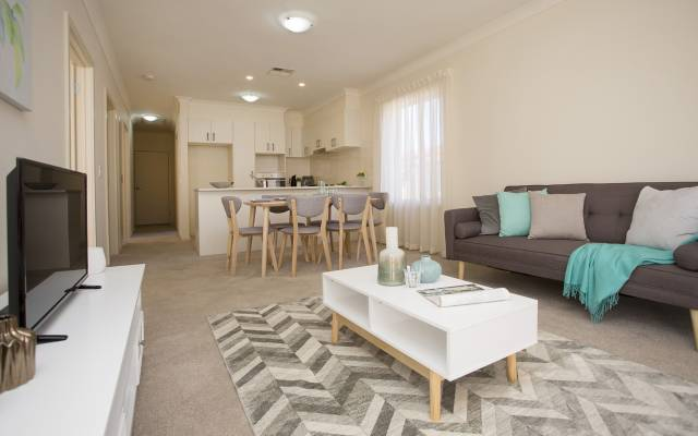 Live close to the beach, city, shopping and public transport.