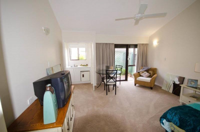 Beautiful studio apartment awaiting your personal touches