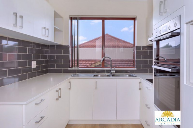 ARCADIA WATERS BICTON - Enjoy Retirement with a Fresh Start...