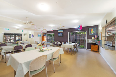 Enjoy your independent retirement living and have all the care and attention you are so deserving of in Aspley Gardens!