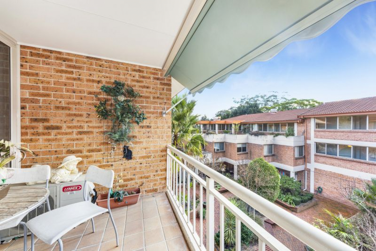 North facing Gem with excellent elevated outlook.