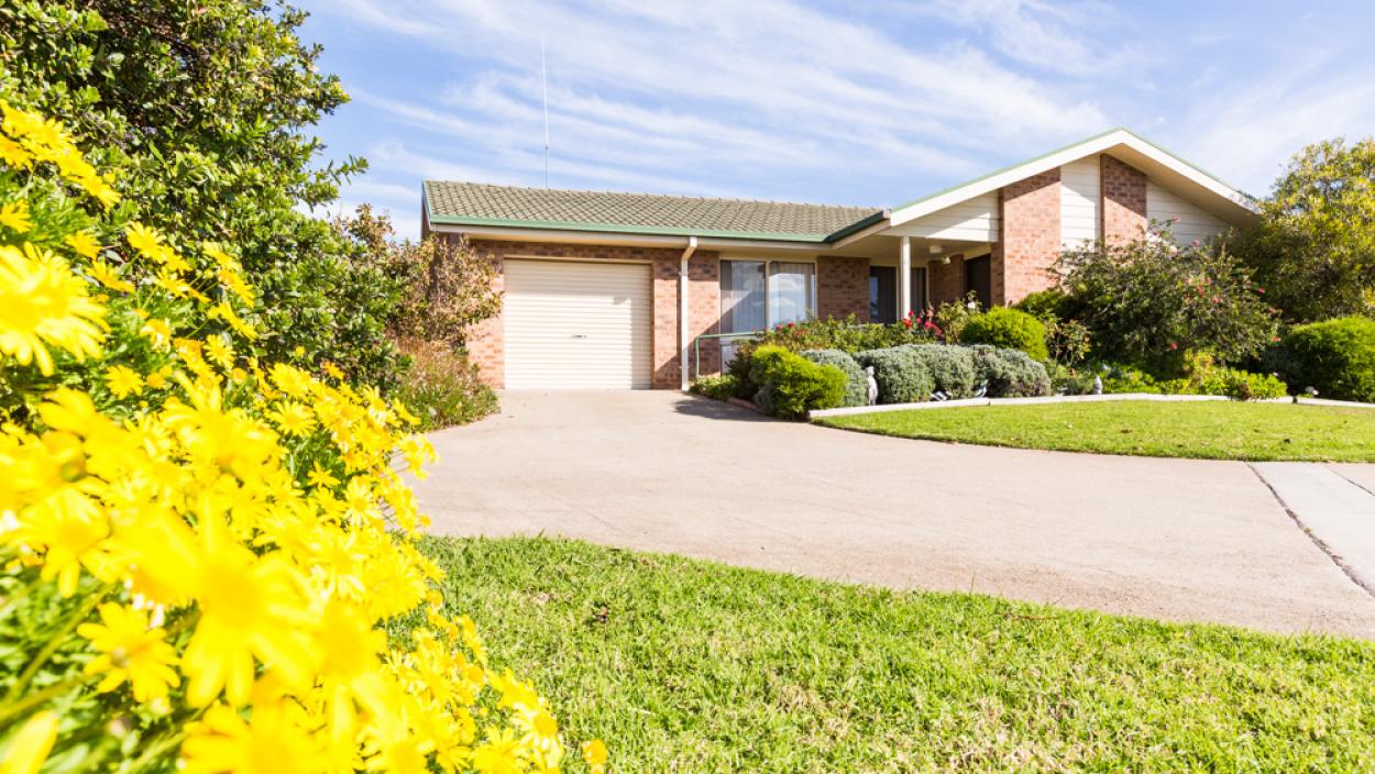 Linton Village 15 Glebe Street - Yass 2582 Retirement Property for Sale