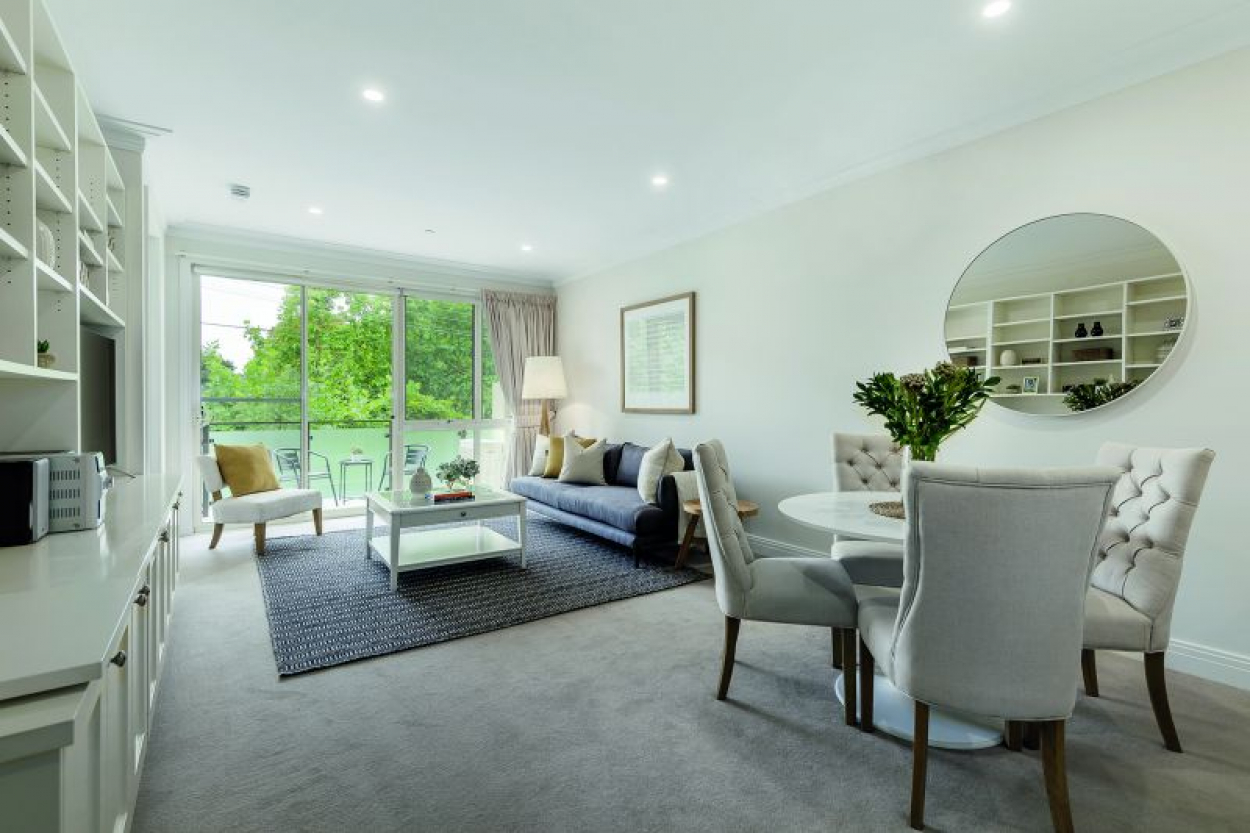 Newly renovated two bed apartment. Stunning!