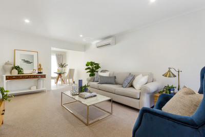 Spacious 2 bed villa opposite Westerfolds Park - Stockland Templestowe Village