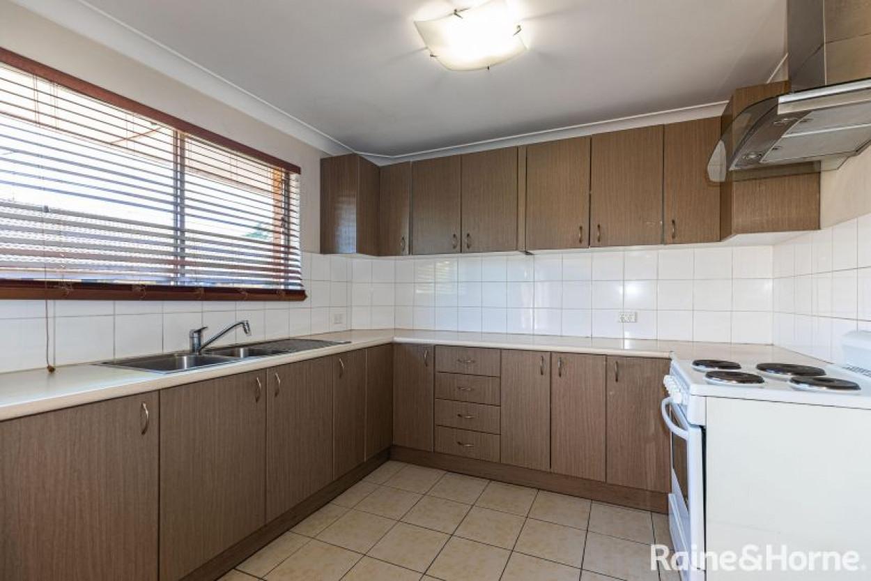 Spacious 2 bedroom unit in Parramatta!