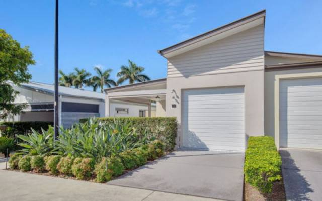 Retirement Villages & Property in Arundel, QLD 4214 for Sale