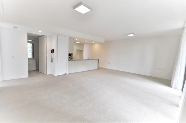 Very large open plan apartment