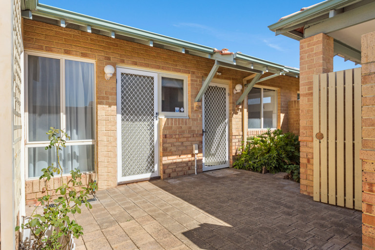 This light and bright refurbished home offers a wonderful low maintenance lifestyle – with nothing to do but move in and enjoy!