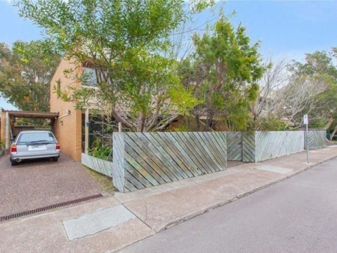 TOWNHOUSE IN BEACHSIDE MEREWETHER