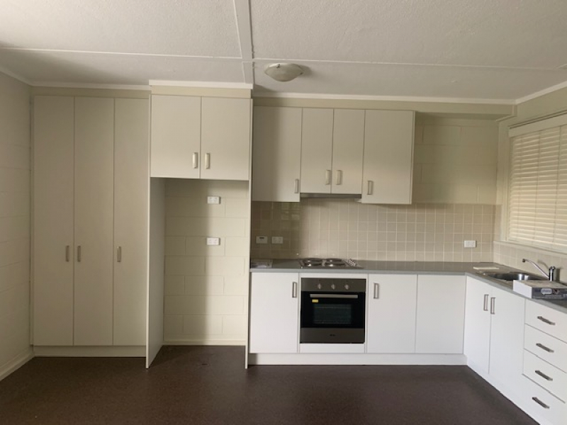 Spacious 1 bedroom +study unit for rent in retirement village