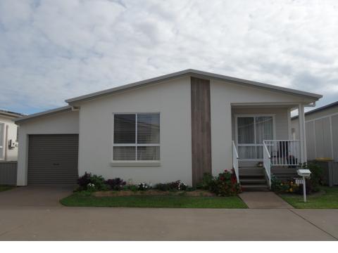 Newport Village - Residence 122