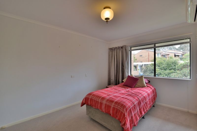 NO EXIT FEES – BE QUICK – It's not often we have large 1 bedroom properties available in our  Assisted Living/Low Care facility; over looking our beautiful gardens this suite is just waiting for a new owner!