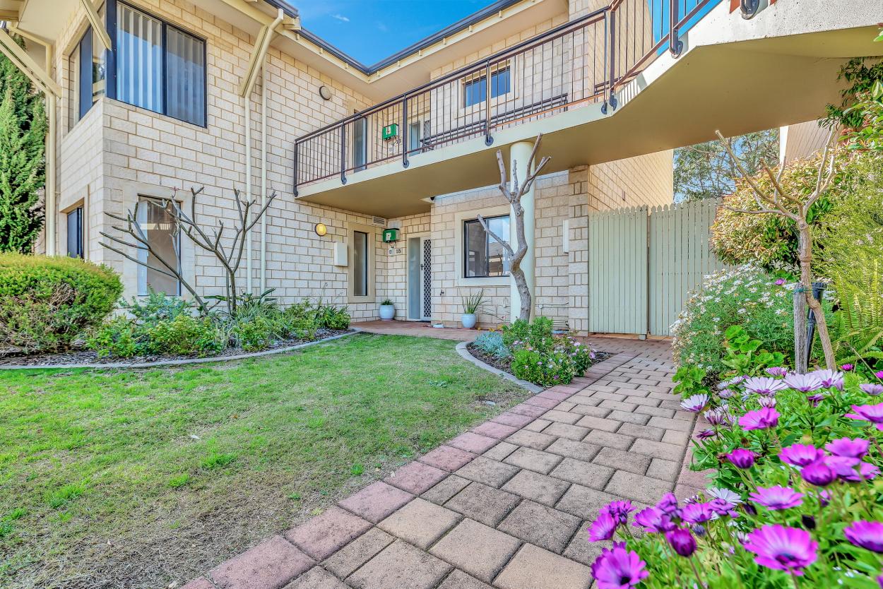 Amana Living  15/21  Oakmont Avenue - Meadow Springs 6210 Retirement Property for Sale