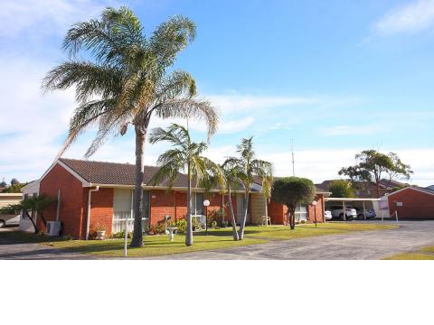 Reynolds Court Retirement Living Units