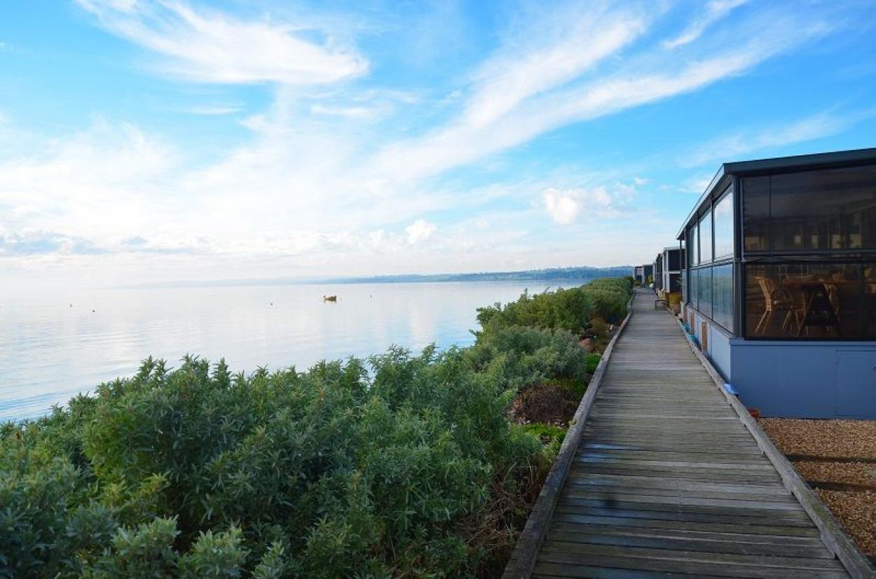 Pelican Shores Estate - Waterfront Living!