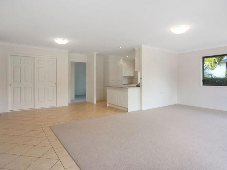 Delightful, light and bright home in beautiful surrounds