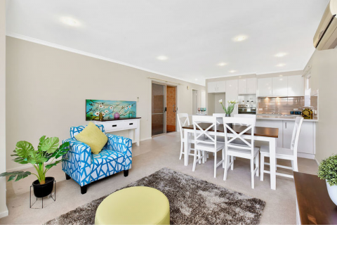 Brilliantly finished home has the best of both worlds; being a part of a Retirement Community whilst also providing you easy access and independence
