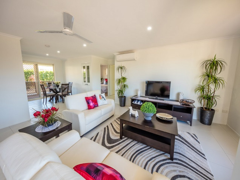 Pet Friendly Two Bedroom - Carlyle Gardens