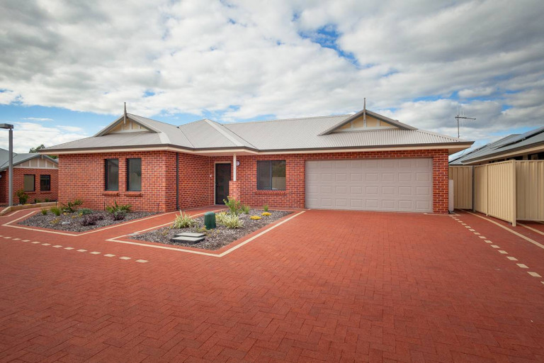 Amaroo Village - Amazing 3 Bedroom Villa NO STAMP DUTY. NO EXIT FEES