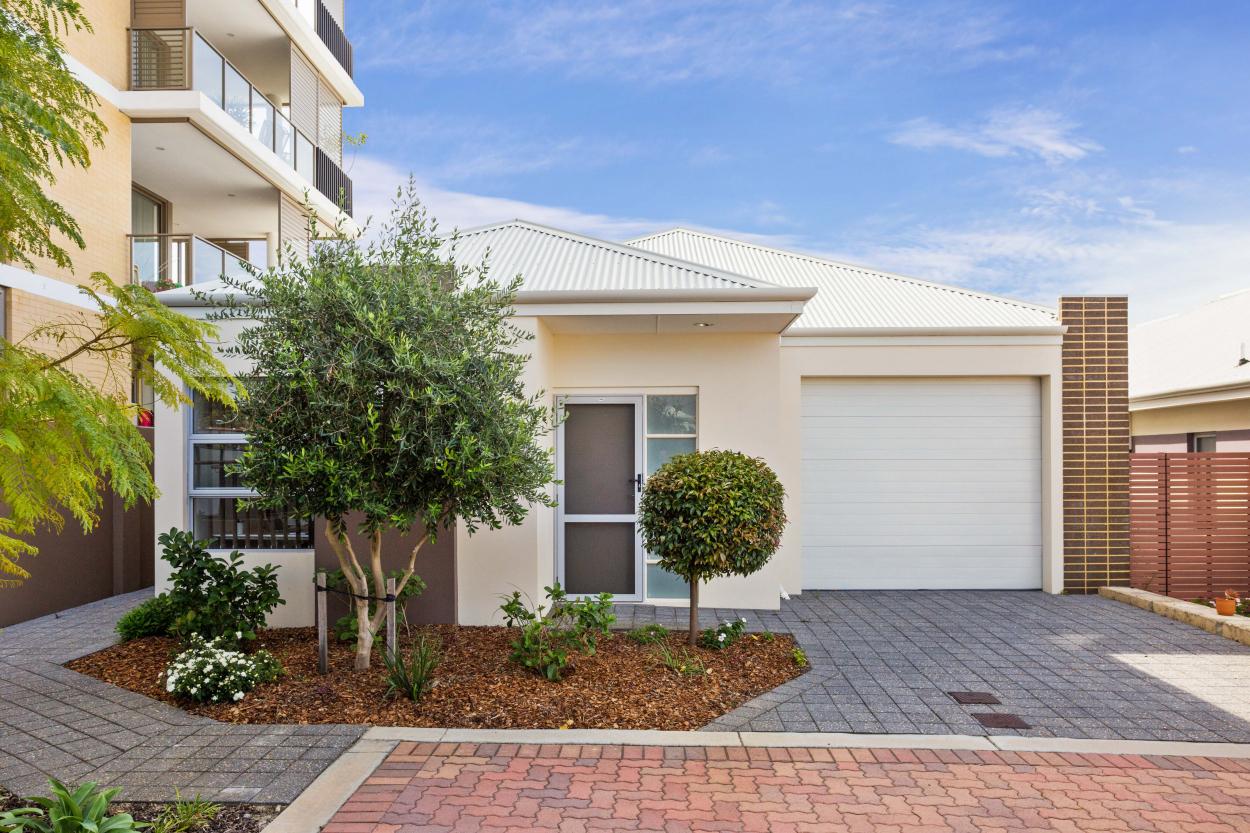 SwanCare - Contemporary-Style Villas   Augustus Way - Bentley 6102 Retirement Property for Sale