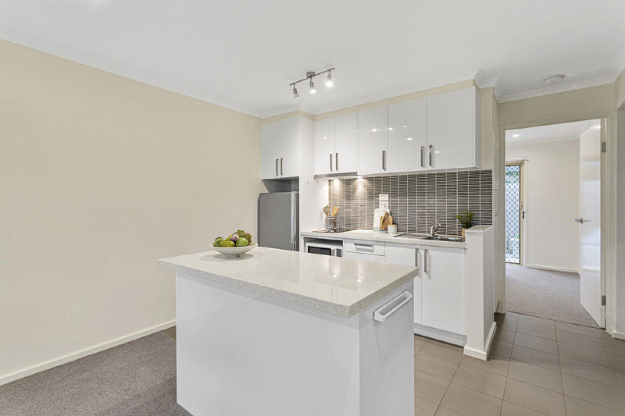 Large 2 bedroom apartment with open plan living