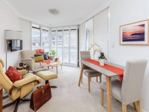 Delightful & Stylish Serviced Apartment
