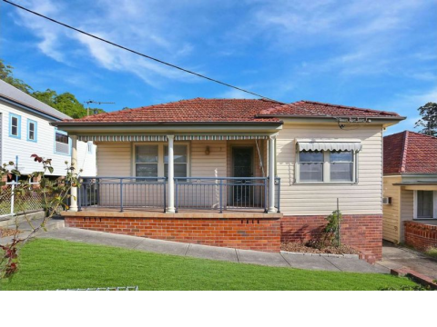3 BEDROOM HOME IN POPULAR ADAMSTOWN HEIGHTS