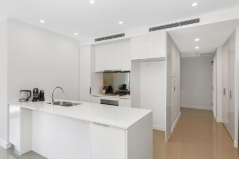 Large Sunny North Facing Apartment - 134sqm total