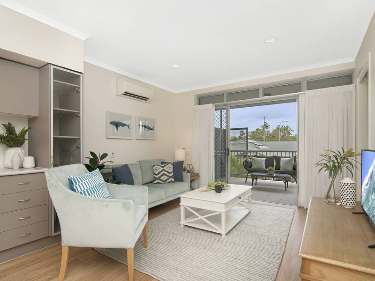 Reduced - One bedroom apartment with pool views