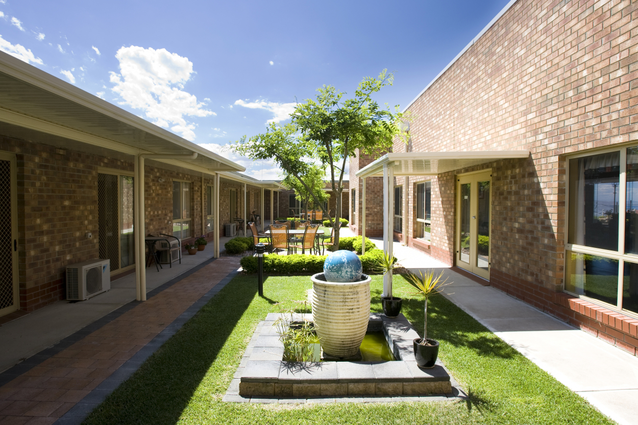 Try our obligation-free 28 day respite care at Lincoln Grove