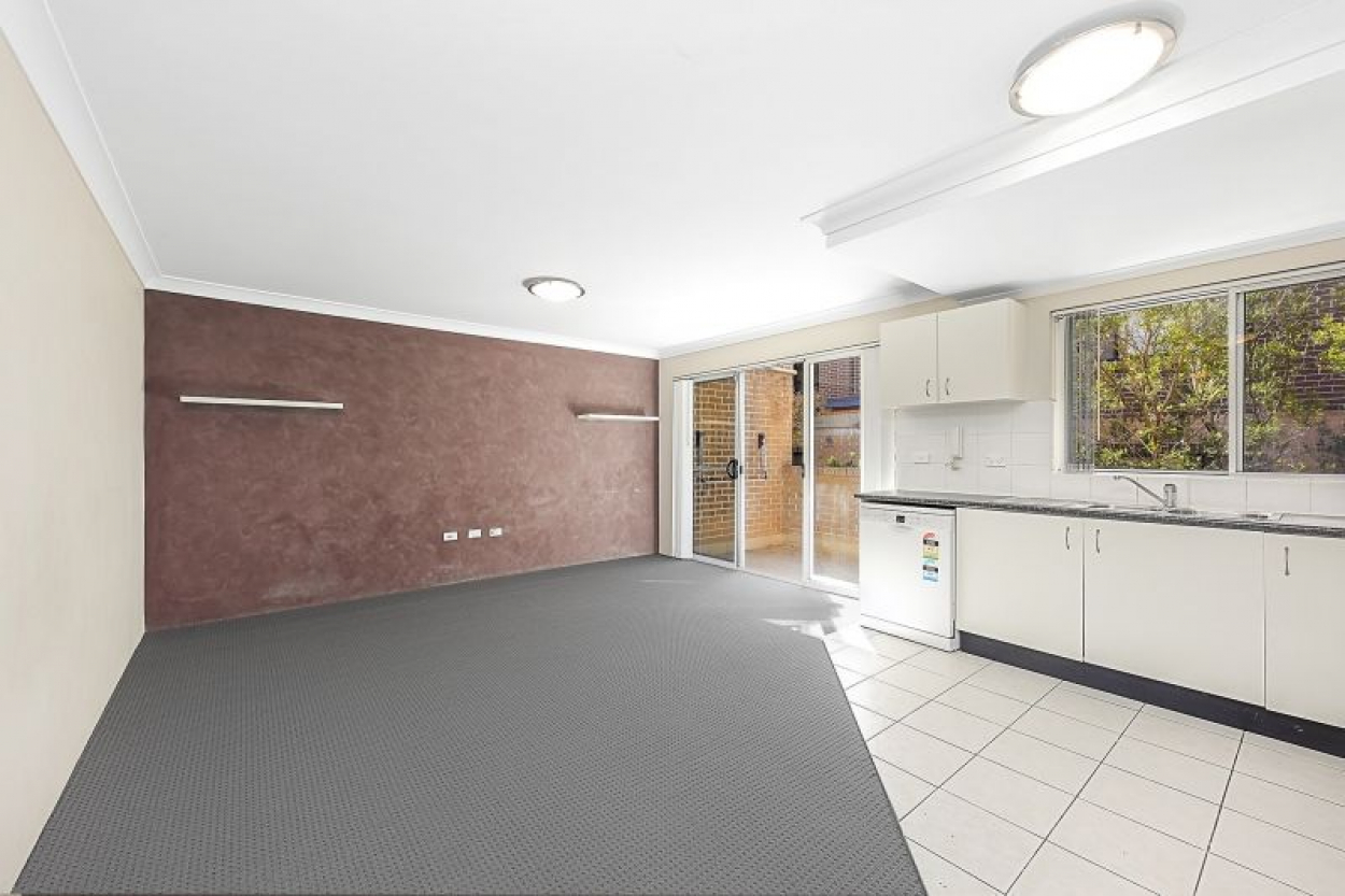 New carpeted 2 Bedrooms Apartment