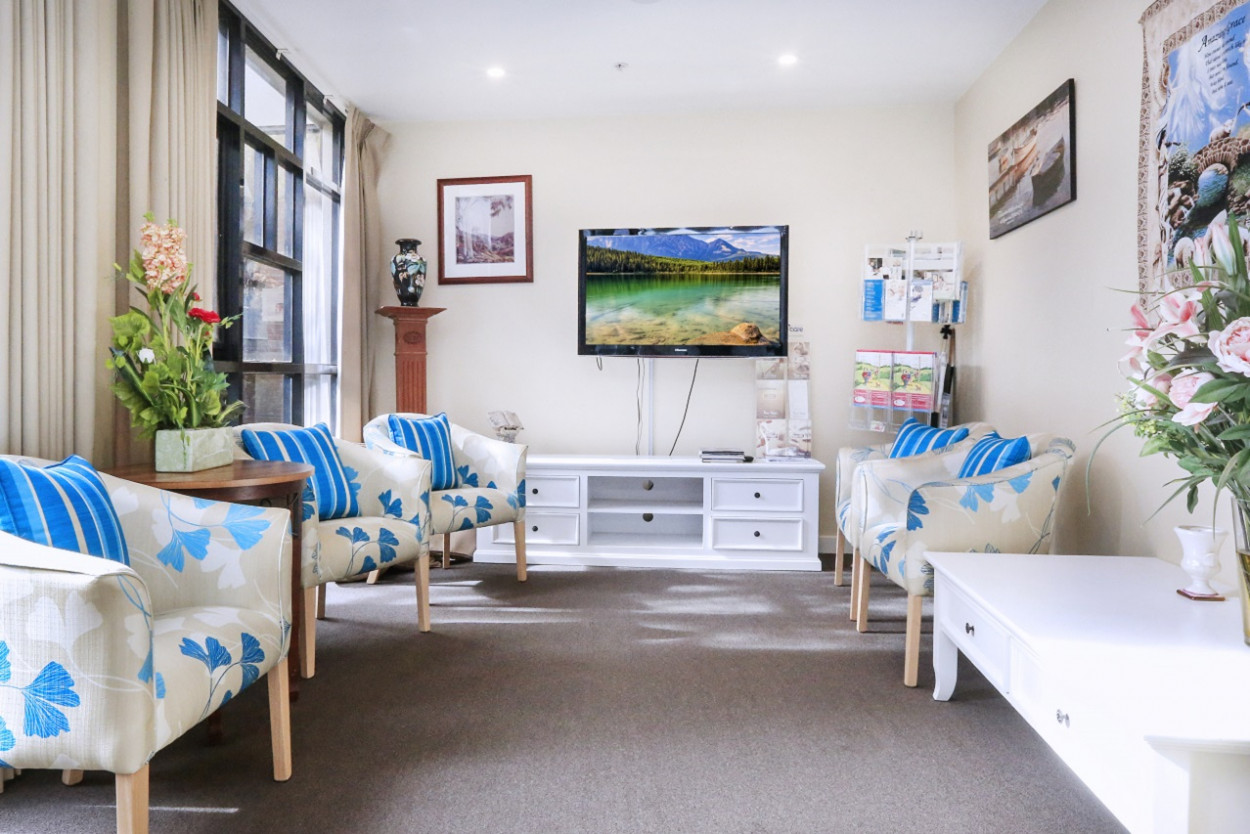 Churches of Christ in Queensland Oak Towers Aged Care Service