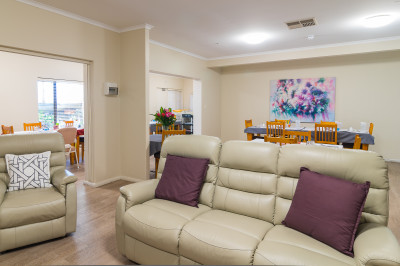 2 Bedroom Independent Living Home - Near Brighton Beach
