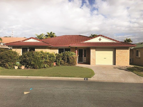 Fantastic, spacious three bedroom home! Easy Living at Carlyle Gardens Townsville