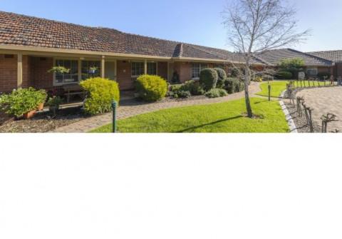 Life Care - Parkrose Village - Independent Living Units