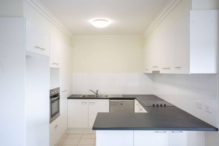 2 Bedroom Apt - Point Cook Village