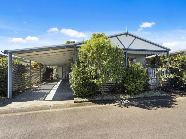 Beautifully renovated 2 bedroom home boasting space and privacy