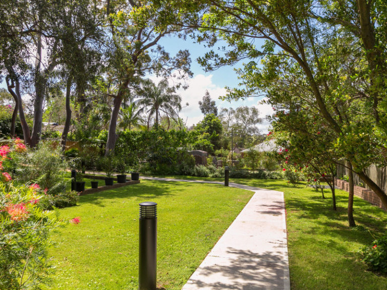 Leafy, tranquil village with a social lifestyle