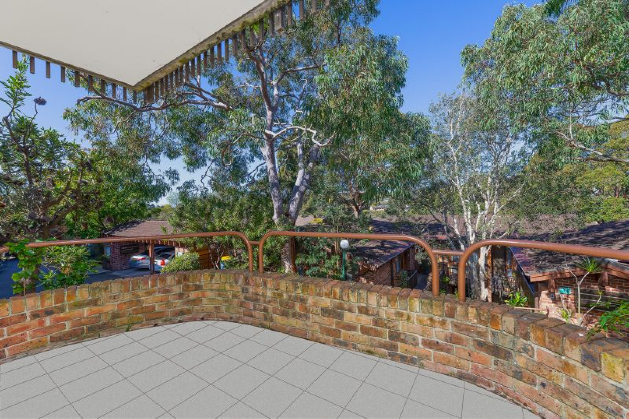 North East facing, tree-lined outlook with easy level access