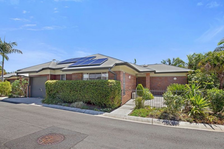 Beautifully presented home nestled in a tranquil setting
